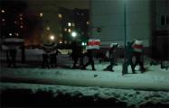 Жители Девятовки вышли на шествие с национальными флагами