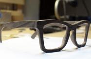 Как гродненские мастера делают деревянные очки за $100
