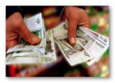 Банкиры советуют белорусам хранить деньги в рублях