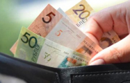 Эксперт: Без перемен ожидать роста реальных зарплат до $500 и выше не стоит