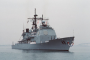 Построенный в Иране американский авианосец оказался декорацией
