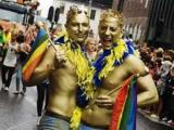 Однополым парам Швеции разрешили вступать в церковные браки