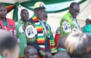 В Зимбабве возле президента прогремел взрыв