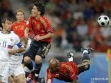 После первого тайма футболисты сборной Беларуси проигрывают испанцам со счетом 0:2