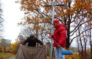 Барановичские активисты помолились у Креста жертвам сталинских репрессий