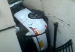 Фотофакт: жительница Лондона неудачно припарковала Range Rover