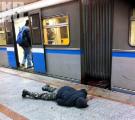 Минский экстремал прокатился в метро, вися на вагоне (Видео)