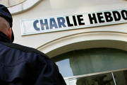 Charlie Hebdo опубликовал карикатуры на погибшего сирийского мальчика
