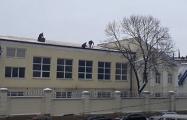 Видеофакт: Белорусские строители работают так, как будто у них 10 жизней