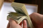 В погоне за долларом: белорусы купили за октябрь почти $1 млрд
