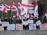 Белорусы протестуют в Гааге (Фото)