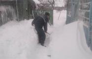 В Рогачеве одинокие пенсионеры оказались в «снежных ловушках»