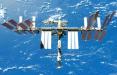 Космонавты замазали герметиком трещину на МКС