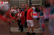 Белорусы в центре Минска танцуют