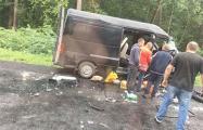 Во Львовской области в ДТП попал микроавтобус с белорусами