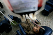 10 детей заразились ВИЧ при переливании крови в Пакистане