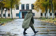 Солдата, который 10 дней назад сбежал из воинской части в Печах, нашли под Смолевичами