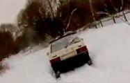 Видеофакт: В Бобруйском районе водитель пытался скрыться от ГАИ