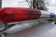 Дебошир порубил топором милицейскую машину