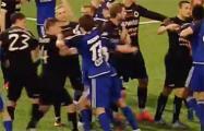 Видеофакт: Массовая драка в матче «Крумкачы» – «Слуцк»