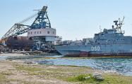 В Севастополе российские корабли пилят на металлолом