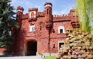 Минкульт обязал удалить восстановленные советские надписи на казармах Брестской крепости
