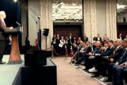 Премьер-министру Албании отказали в фотографии с Пенсом из-за белых кроссовок
