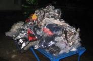 Контрабандист спрятал в легковой машине 172 единицы одежды