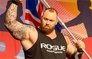 Исландский стронгмен установил мировой рекорд, подняв штангу весом 501 кг