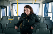 Мать восьмерых детей провела в декрете 16 лет подряд, а теперь стала водителем автобуса
