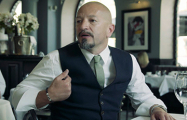 Как ресторатор Прокопьев «вколачивает» английский в головы своих сотрудников