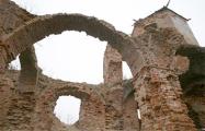 Фотофакт: Восстановлена одна из башен Гольшанского замка