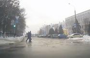 В Речице ГАИ оштрафовала водителя за непропуск пешеходов, переходивших дорогу на красный