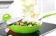Новый вид «развода»: белорусам продают «гипнотическую» посуду