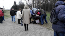 Задержанных за флаги Украины участников шествия в Куропаты отбили у милиции