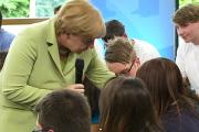 Меркель объяснила палестинской девочке необходимость депортаций