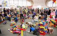 В Минске прошел фестиваль близнецов и двойняшек