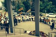 Пикетировавшие РБК активисты пришли поблагодарить ВГТРК