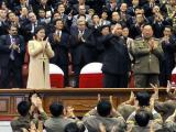 Ким Чен Ын сводил жену на концерт и футбольный матч