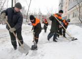 Работников госпредприятий выгонят на уборку снега