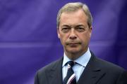 Лидер евроскептиков попросил британцев поддержать критикующую мигрантов песню