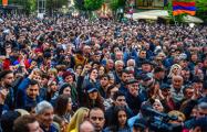 Никол Пашинян вывел тысячи своих сторонников на «общеереванское шествие»