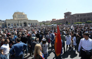 Армения дала урок Лукашенко и Путину