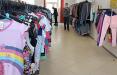 «Люди смотрят не на этикетки»: как работают секонд-хенды в Беларуси по новым правилам