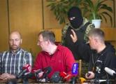 Террористы в Славянске освободили одного заложника из миссии ОБСЕ