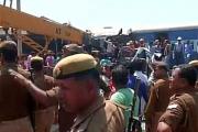 В Индии 22 человека погибли при сходе поезда с рельсов