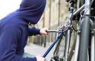 В Минске мужчина пытался украсть в подъезде велосипед, но уснул