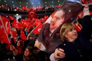Эрдоган сравнил запрет на митинги в его поддержку в ФРГ с действиями нацистов