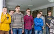 Студентов из Гродно заставили стоя слушать послание Лукашенко