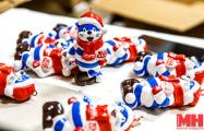 Как приходит Новый год: репортаж с фабрики елочной игрушки «Грай»